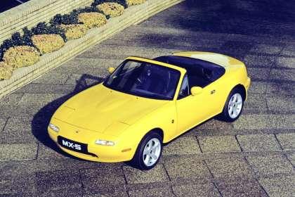 Mazda MX-5 - Classic Car Reviews | Classic Motoring Magazine